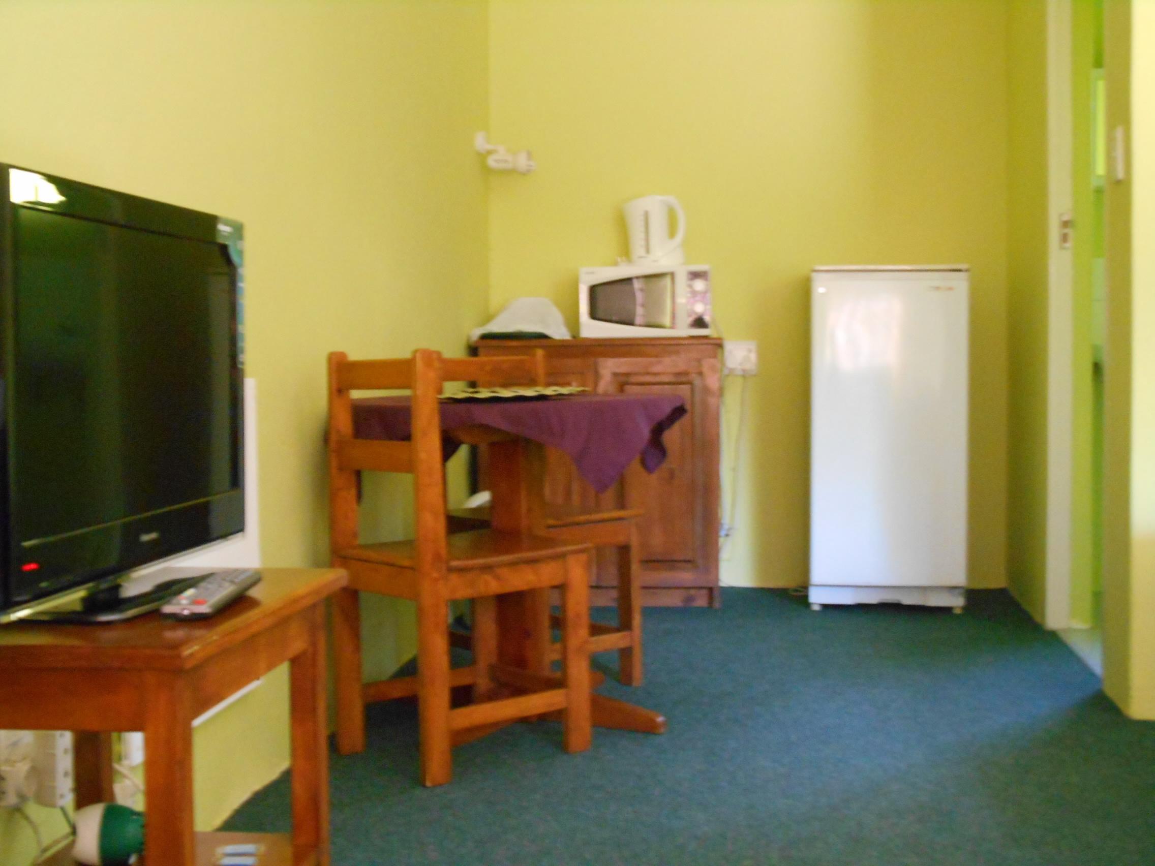 Budget Room Amenities